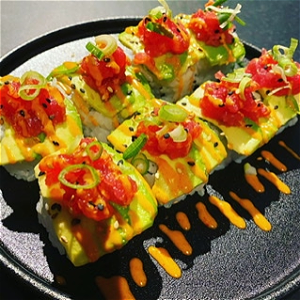 Foto Spicy tuna avocado roll